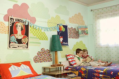 Los papeles pintados dan un aire muy actual a las habitaciones infantiles