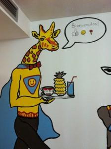 La súper jirafa pintada por Sergio Muro da a bienvenida a niños y adolescentes en una de las habitaciones de Cirugía Pediátrica. Foto: Rosa BalaguerLa súper jirafa pintada por Sergio Muro da a bienvenida a niños y adolescentes en una de las habitaciones de Cirugía Pediátrica. Foto: Rosa Balaguer